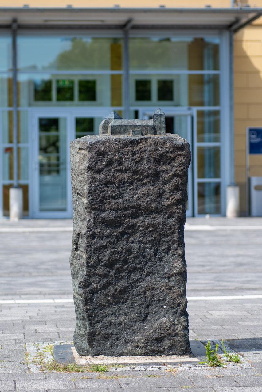 Stele Rheda am Bahnhof, Vielstädte