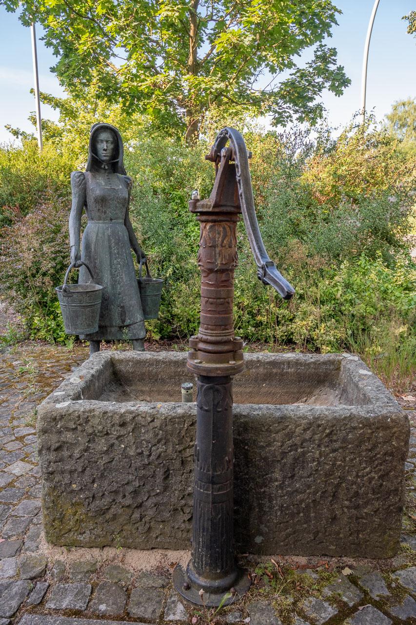 Kunst Wasserträgerin, St. Vit