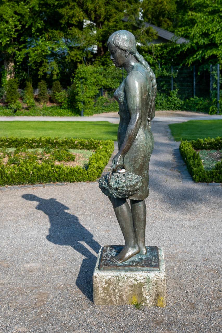 Flora von Hubert Hartmann im Rosengarten Rheda