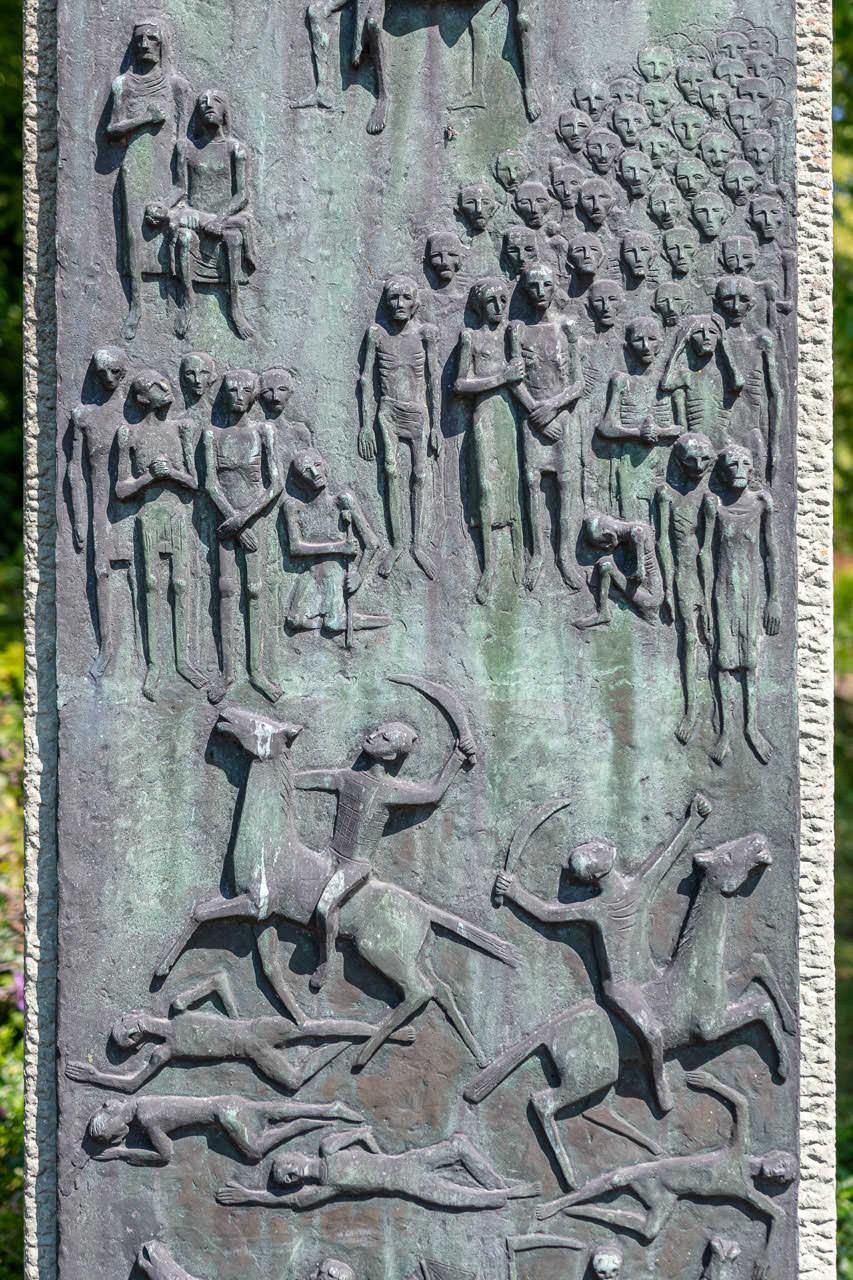 Mahnmal gegen den Krieg von Hubert Hartmann