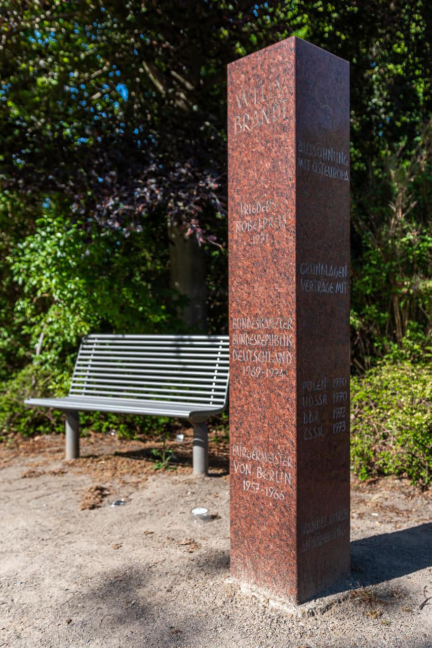 Willy Brandt Stele von Aloys Thumann